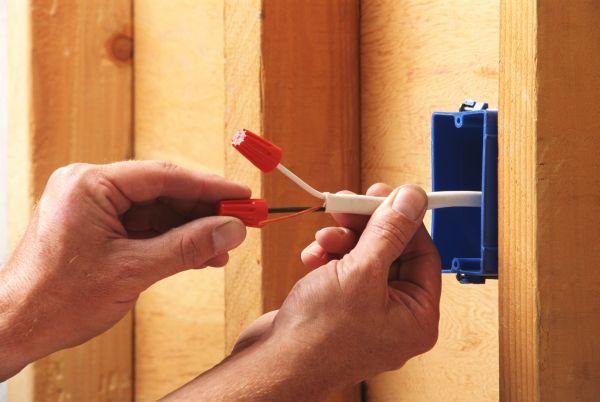 Монтаж провода и кабеля в квартире