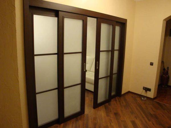 Монтаж раздвижных дверей в квартире